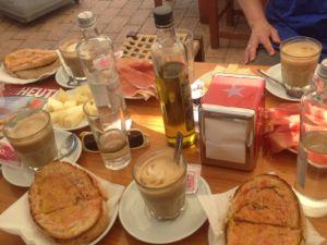 Frühstück in der Bar Costa