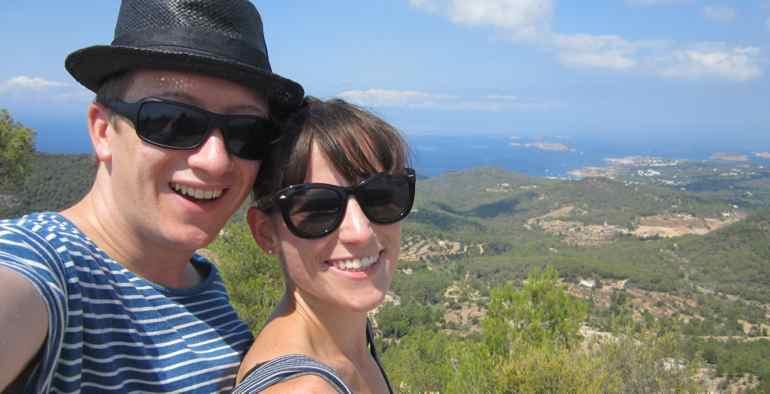 DiAnna und Georg auf dem höchsten Punkt Ibizas - Sa Talaia