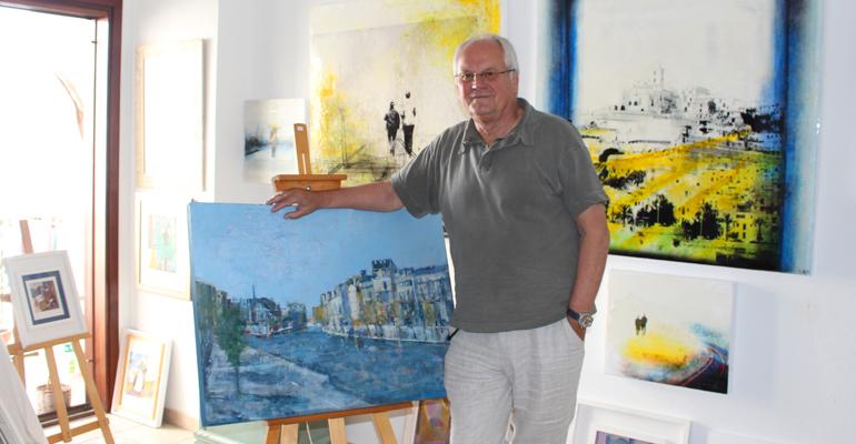 Dieter Abholte in der Privatgalerie in Santa Eularia