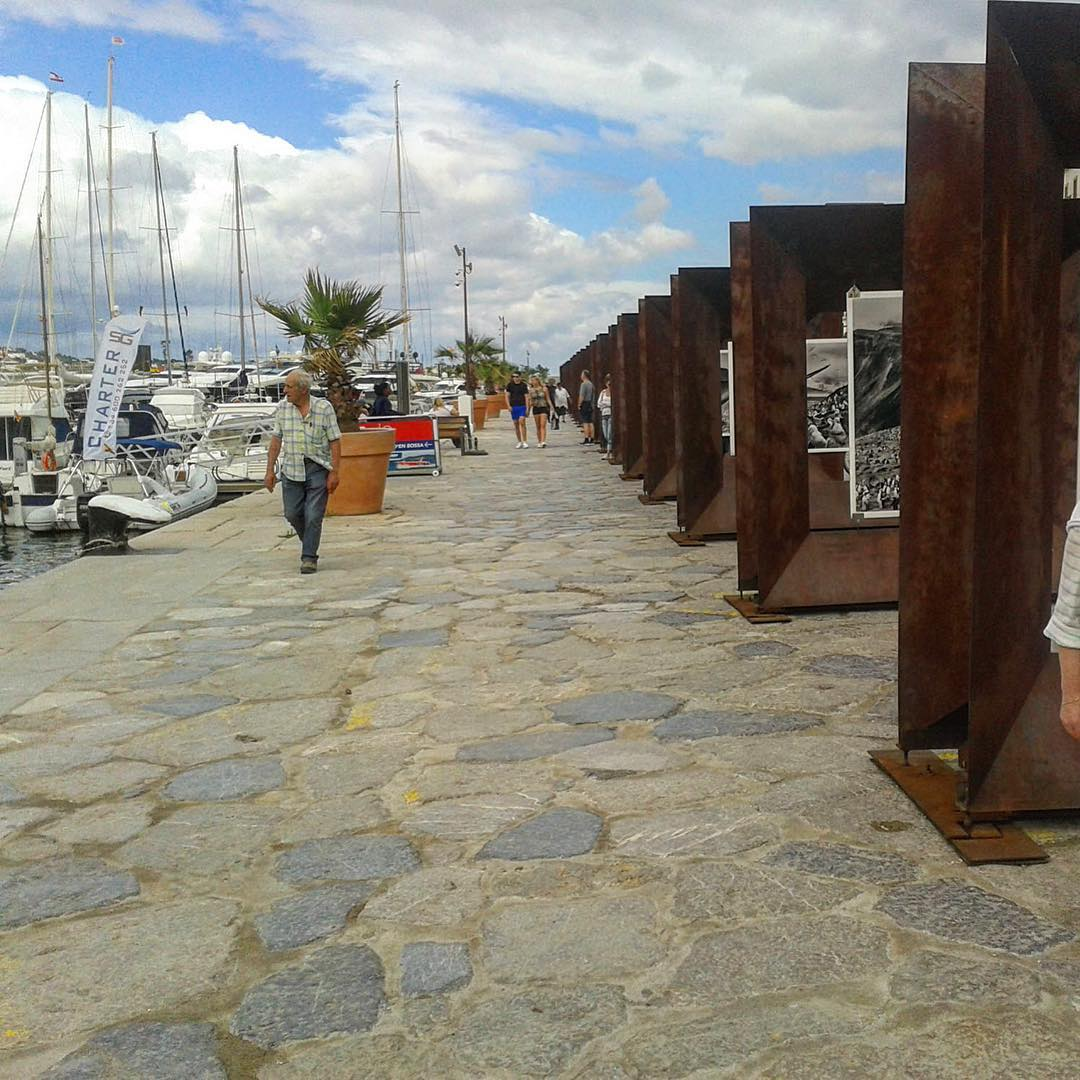Check out the art installations at the newly designed harbour area ⚓️ #ibizaharbour #eivissa #art #instaart #design #port #ibiza2017 #goodwork #artist #spain #clouds #picoftheday #sabado #boats #instaspain #loveibiza #ibizagram #ibzconnect #ibizadiary, Port D'eivissa, Baleària