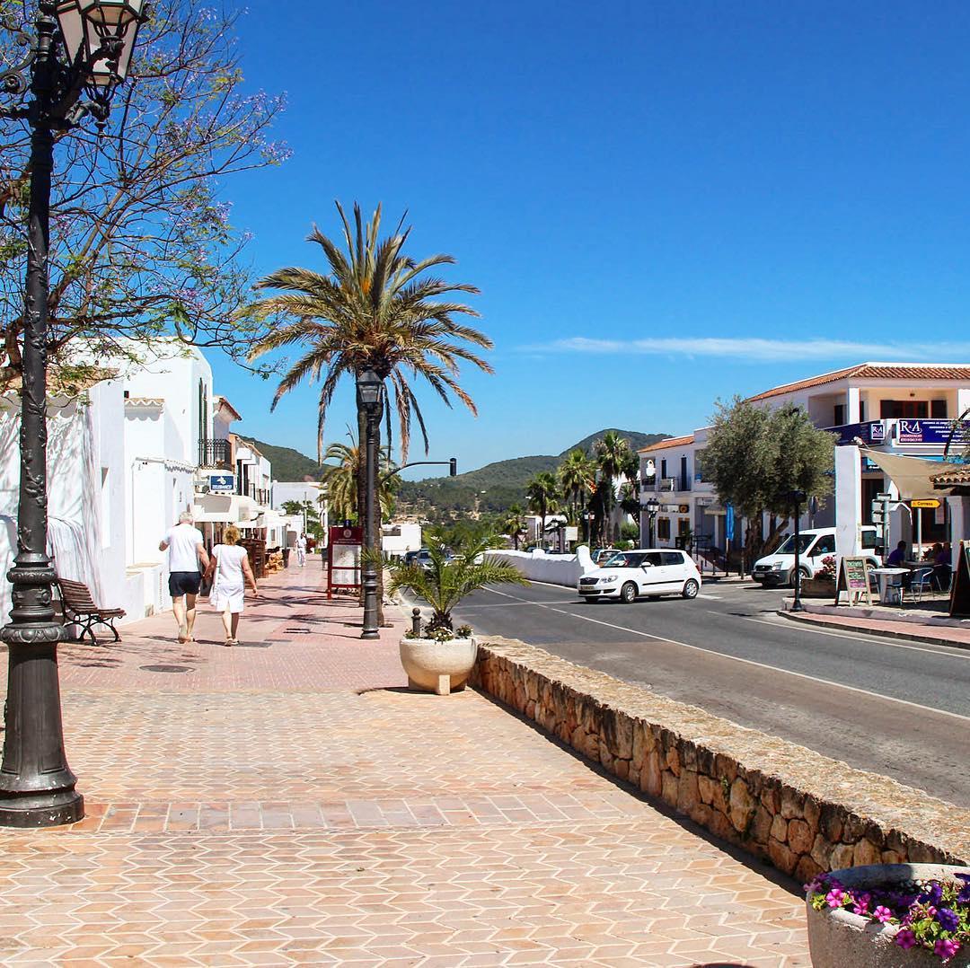 Blue sky over Sant Josep 🌞 #ibizasky #ibiza #blue #santjosep #holiday #palmtrees #street #walk #ibiza2017 #igersspain #igerseurope #ibz #catalunya #sky #ibizadiary, Sant Josep de sa Talaia
