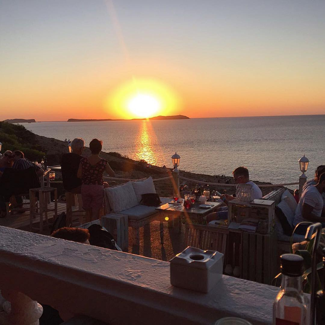 Sunsets like this you only get on Ibiza 🌅 #sunset #puestadelsol #ibiza #sanantonio #ibiza2017 #ocean #seaview #afternoon #goodtimes #goodlife #igersibiza #ibzconnect #westcoast #igers #ibizadiary, Hostal La Torre San Antonio