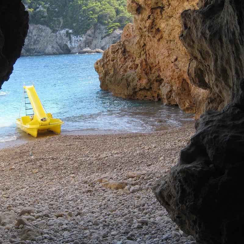 Cala Llonga Höhle