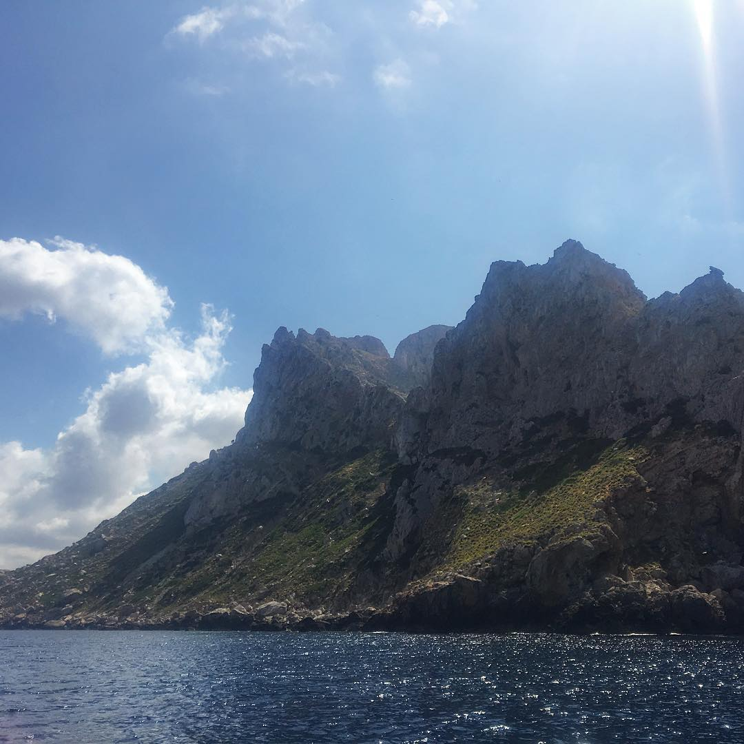 Hanging with friends on a boat and see Ibiza from another perspective – always a pleasure 🌎☀️ #ibiza #boat #boattrip #friends #ocean #water #esvedra #view #goodtimes #baleares #instatravel #ibiza2018 #loveibiza #goodlife #ibizadiary, Es Vedrà