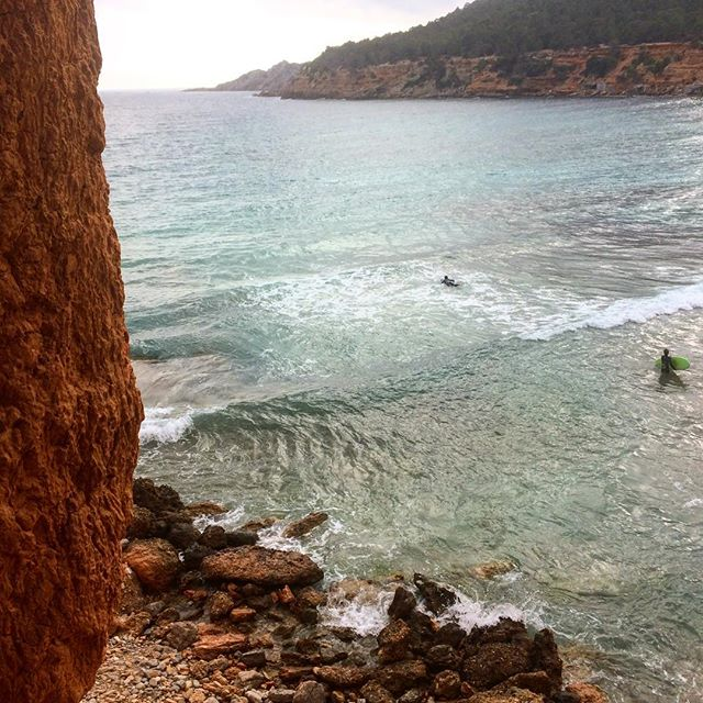 Surfers paradise Ibiza 🏄🏼‍♂️ Spotted these two guys in the waves of Sa Caleta! #surfing #ibiza #surf #instasurf #sport #ibizasurf #instasport #water #outdoor #active #ibiza2018 #fun #goodtimes #likeforlike #waves #ibizadiary, Sa Caleta