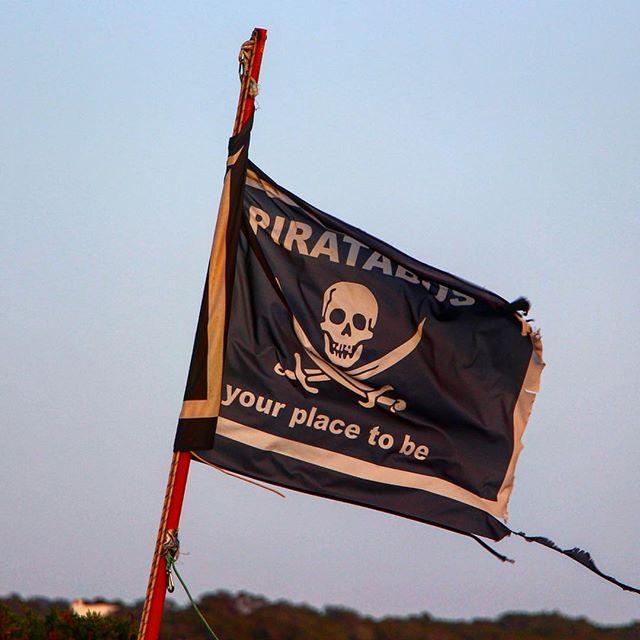 Looking forward to refreshing #mojitos 🌱🍋 and tasty #albondigas #chiringuito @piratabusoficial #formentera 💀 #Piratabus #piratabusformentera #formentera #ibizadiary #beachbar #sundowner #formenteralovers #km11 #igersformentera #ibizayformentera #pirates #baleares #sunsetbeachbar #instatravel, Piratabus Chiringuito, Formentera