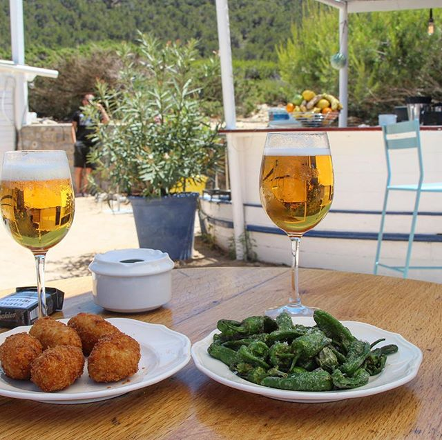 Wishing all of you a wonderful weekend! Experimental Beach could be the place for some tapas and drinks 🍺🍇 #weekend #findesemana #pentecostes #timeout #relax #goodplace #tapas #instadrink #instabeer #beachbar #experimentalbeach #ibizabeach #ibizagastro #ibiza18 #ibizadiary, Experimental Beach Ibiza