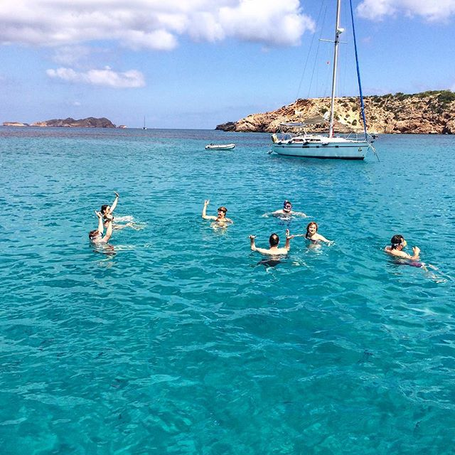 Fun with friends ⚓️🐳 #friends #swimming #timeout @ocean #water #goodtimes #summer #summervibes #ibiza @ibizawatersports #holiday #blue #sky #instaboat #boats #instaibiza #ibizadiary, Cala Tarida
