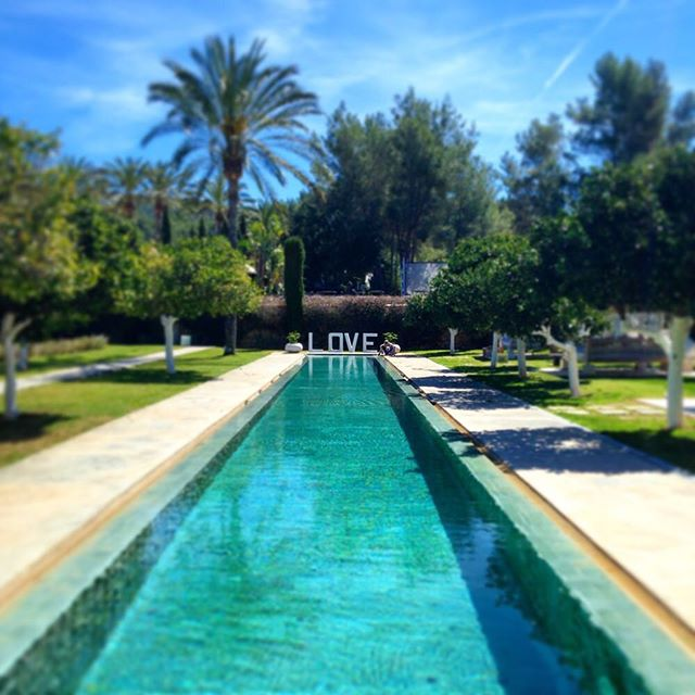 We whish you all a peacefull sunday from  @atzaro_hotel ☯️💙☮️ #LOVE #peace #peacefullsunday #happysunday #loveandpeace #atzaro #atzaroibiza #mindfulness #agroturismo #lovesign #ibz #ibiza2018 #ibizadiary #ibizasundays #ibizalove #loveibiza #instaibiza #peaceandhappiness #bluesky #turquoise, Agroturismo ATZARO ibiza