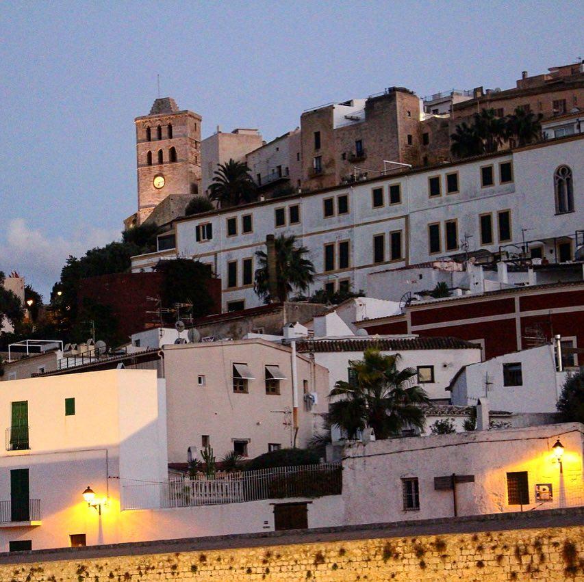 Ibiza skyline  #skyline #daltvila #ibiza @turismeeivissaibiza #eivissa #spain #instaspain #instablogger #oldtown #church #houses @unesco #unescoworldheritage #white #night #ibizadiary, Eivissa Ibiza Stadt