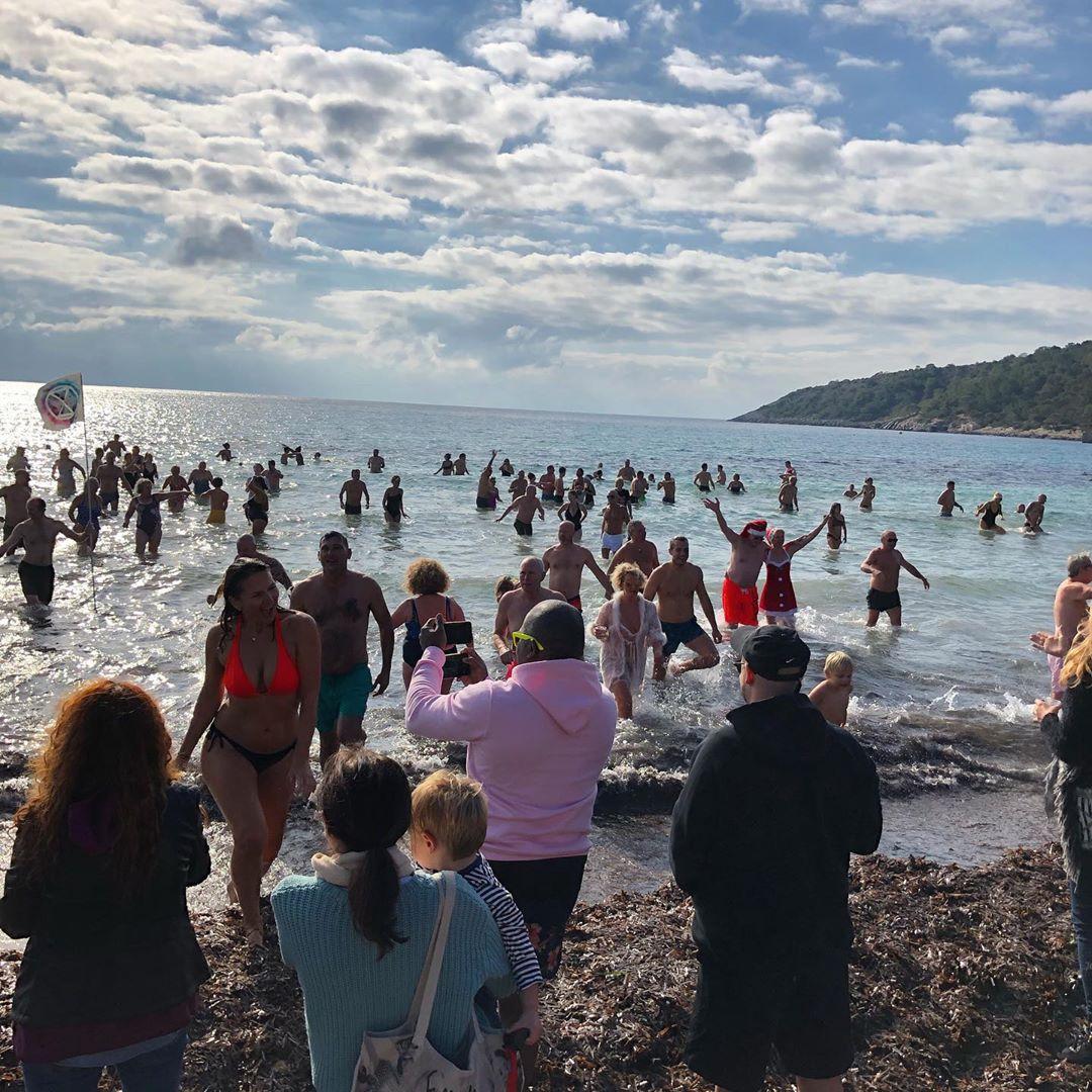 "When there's hundreds of people running into the water on the 1st of January 😎🏊♂️ Thanks to @vinoycoibiza for organizing the 2020 ""New Years Dive"" #felizañonuevo #ibiza #newyear #salinasibiza #ibiza2020 #happy2020 #fun #ocean #swim #vinoyco #gracias #dayone #ibizadiary, Ses Salines"