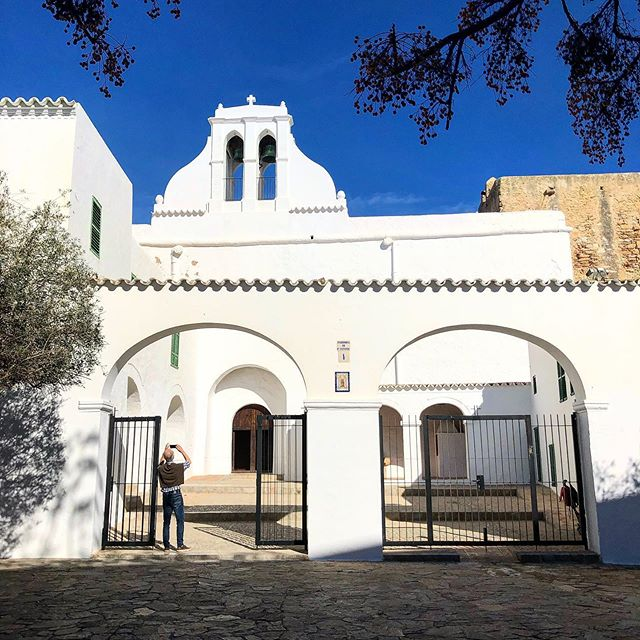 In sundays it's all about churches. This one is the oldest of Ibiza, in the heart of San Antonio! #sunday #church #iglesia #ibiza ⛪️ #kirche #sonntag #baleares #catholic #catholicchurch #antonio #sanantonioibiza #ibiza2020 #ibizadiary, SANT ANTONI DE PORTMANY, Spain